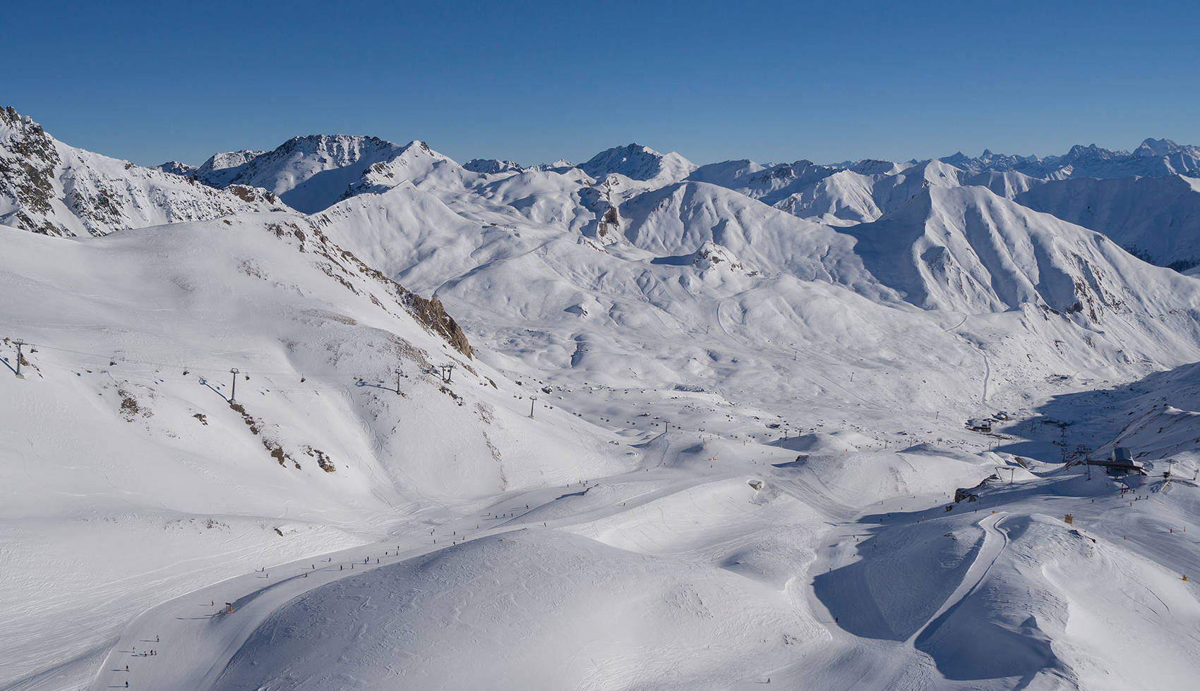 LIFESTYLE-MEKKA of the Alps Relax. If you can . . . Ski resort Ischgl Samnaun